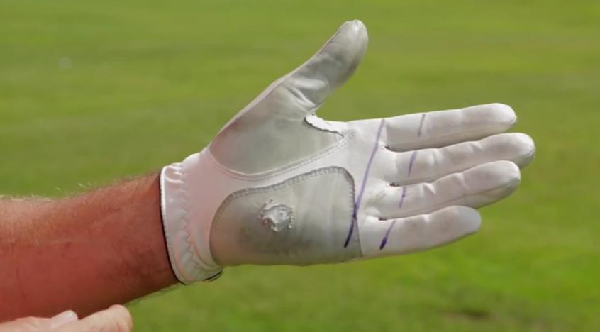 Pourquoi est-ce que le gant de golf est usé