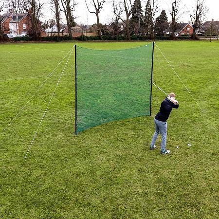 Practice de golf dans le jardin